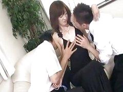 Kanon Hanai Asian chick gets a finger